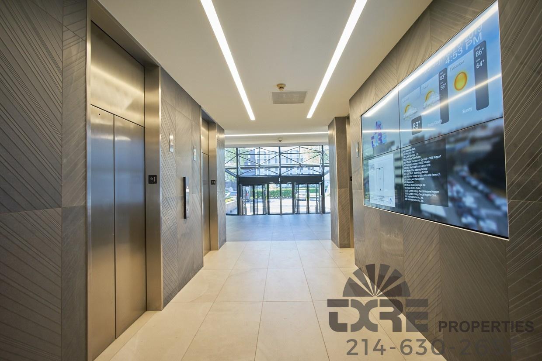 1250 W Mockingbird Ln digital display and lobby