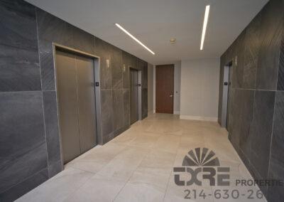 1250 W Mockingbird Ln elevators