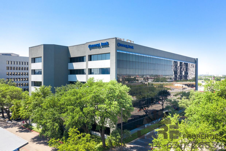 Comerica Bank Building aerial view