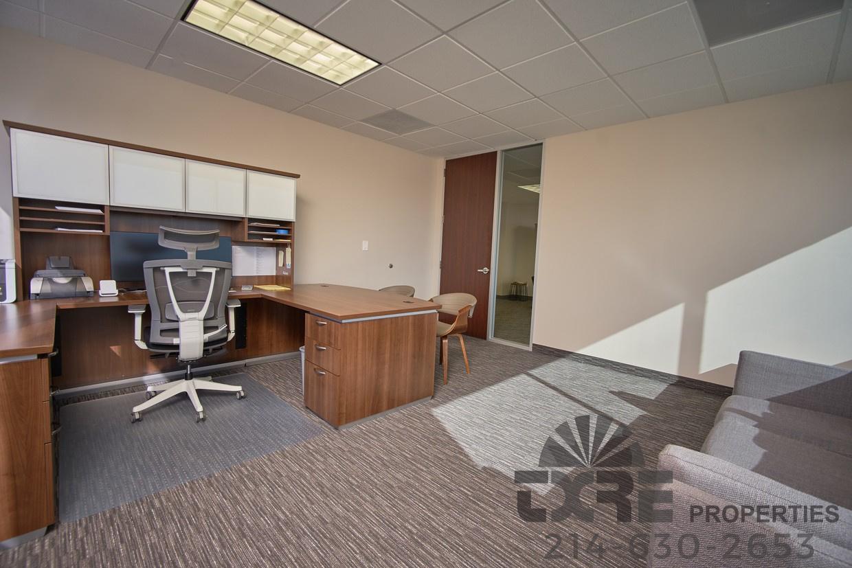 1250 W Mockingbird Ln office suite
